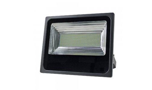 Мощност и светлина с VIGOR LED VIVALUX