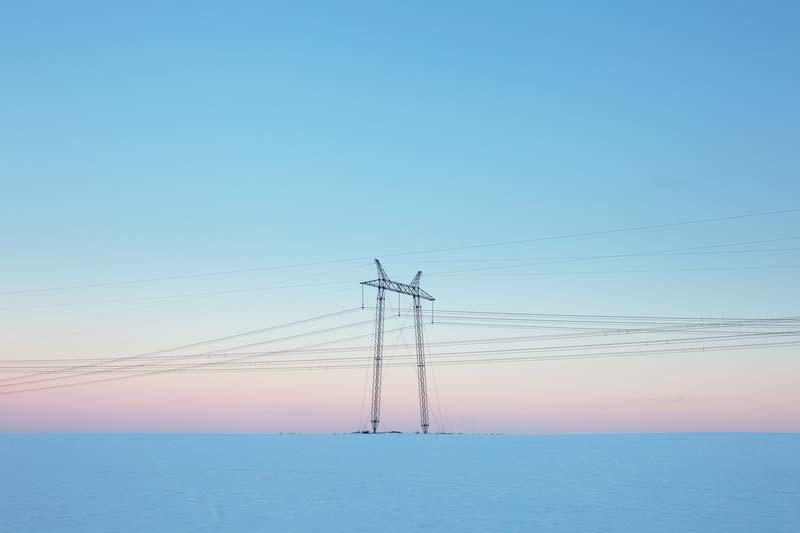 ЕСО търси фирма за изграждане на електропровод
