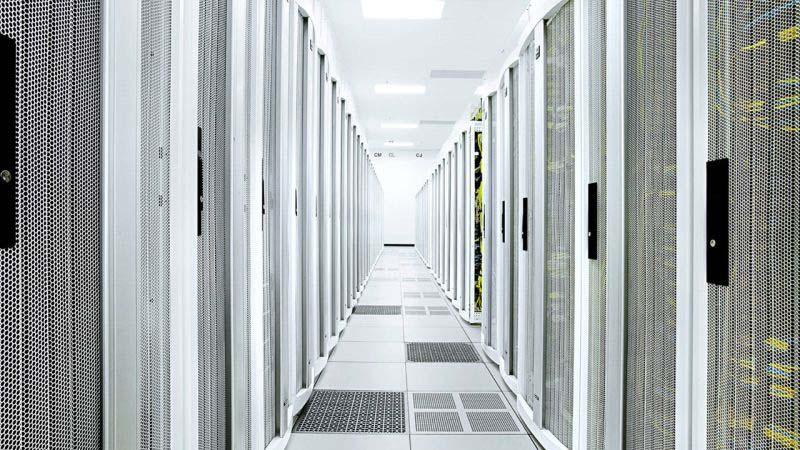 PolyComp ще дистрибутира UPS системите на ABB в България