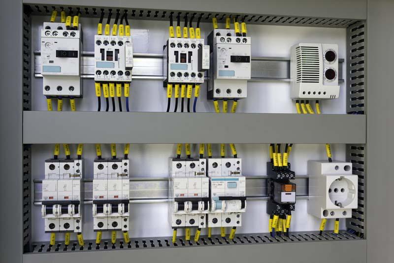 Италиански производител на оборудване за подобряване на качеството на електроенергията търси дистрибутори