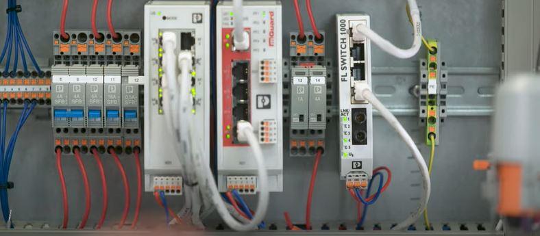 Пренасочване на Ethernet данни чрез неуправляеми суичове от серията COMPLETE line на <strong>Phoenix</strong> <strong>Contact</strong>